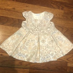 *NWT* Girls 0-3m gold pleated dress